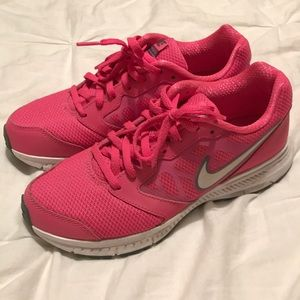 Nike Downshifter 6 hot pink running shoes 6.5